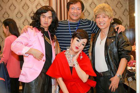 Thuy Nga, Tu Long khac la, vui nhon trong hau truong Gala cuoi 2017 - Anh 10