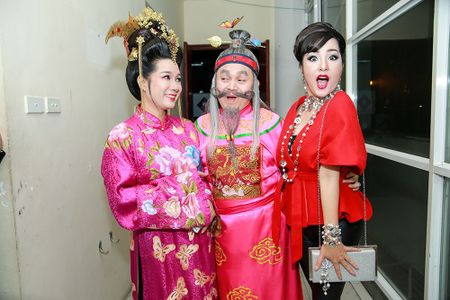 Thuy Nga, Tu Long khac la, vui nhon trong hau truong Gala cuoi 2017 - Anh 2