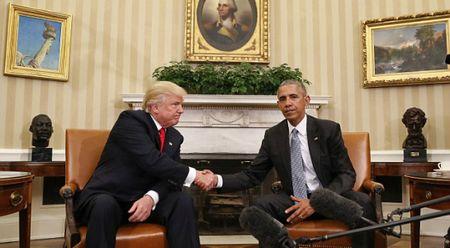 Tong thong Obama khuyen ong Trump khong nen tu minh ra quyet dinh - Anh 1