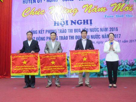 Huyen Phu Xuyen: 22 tap the, ca nhan duoc tang Bang khen, co thi dua - Anh 2