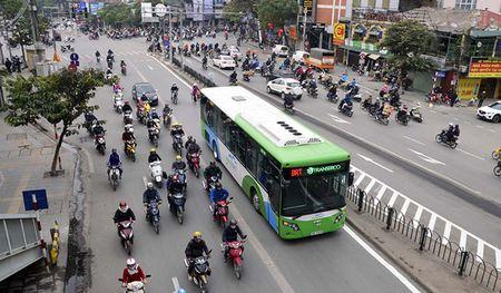 Keo dai thoi gian mien phi ve xe buyt BRT den ngay 5/2 - Anh 1