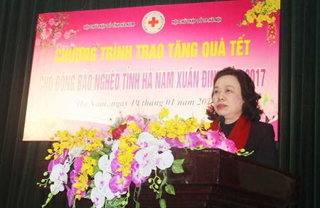 Mang Tet am ap den 200 ho ngheo tinh Ha Nam - Anh 1