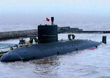 Trung Quoc khoi phuc san xuat tau ngam thong thuong Type 039B sau 3 nam gian doan - Anh 1