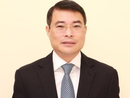Thong doc Le Minh Hung: Nam 2017, chinh sach tien te phai rat linh hoat - Anh 1