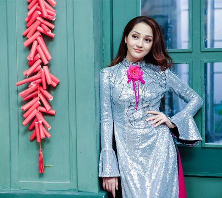 Thanh Hang 'ngung nguay' trong thiet ke ao dai dang yeu muon xiu! - Anh 13