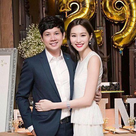 Hoa hau Thu Thao bat khoc hon ban trai trong ngay sinh nhat - Anh 1