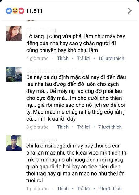Cap doi Thanh Bach - Thuy Nga bi 'nem da' phan doi vi dien ao dai 5m len may bay - Anh 3