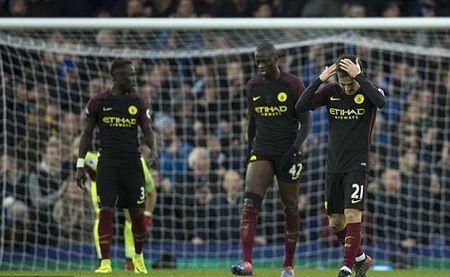 "Chelsea ""dien kich"" nhieu nhat Premier League - Anh 5"