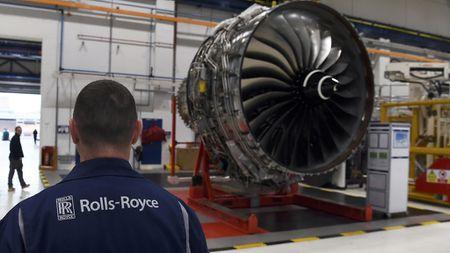 Rolls-Royce nop phat hon 800 trieu USD - Anh 1