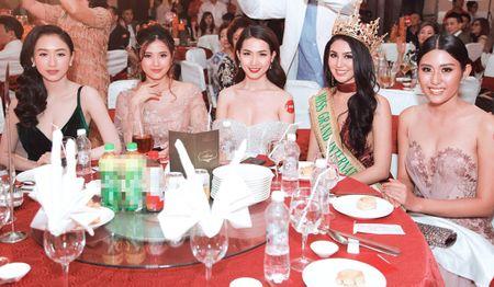 Ai Phuong, Phan Thi Mo do dang cung Miss Grand International 2016 - Anh 3