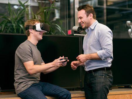Mark Zuckerberg lan dau chia se bi quyet 'mua cong ty nao trung cong ty do' - Anh 2