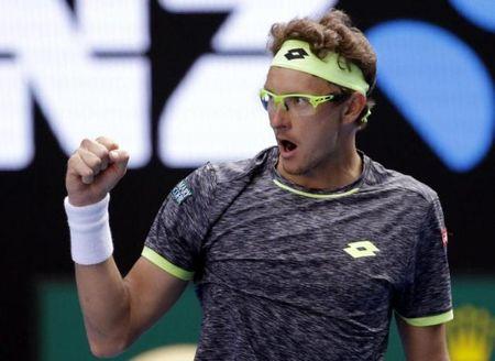 Australia Open: Duong kim vo dich Djokovic bi loai ngay tai vong 2 - Anh 1