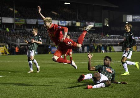 Liverpool vat va loai CLB hang tu de tien vao vong 4 FA Cup - Anh 7