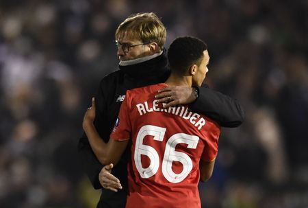 Liverpool vat va loai CLB hang tu de tien vao vong 4 FA Cup - Anh 9