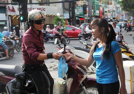 Dan Sai Gon bat dau do xo mua ca chep phong sinh - Anh 1