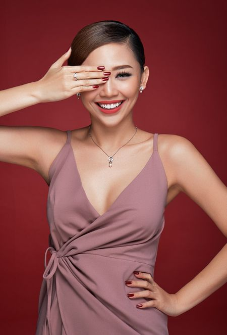 Toc Tien da phong cach voi xu huong Bad girl - Good girl - Anh 2