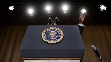 9 khoanh khac lich su cua Obama trong 10 nam qua - Anh 8