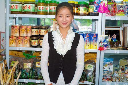 Loat anh moi cong bo 'ven man bi mat' ve Trieu Tien - Anh 8