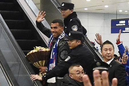Fan Trung Quoc nhiet liet don bom tan Tevez - Anh 5