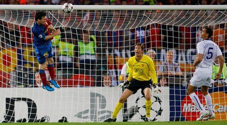 Vua len bao, Messi lai xat muon vao noi dau MU - Anh 1