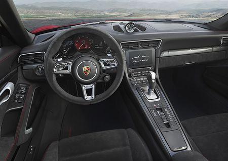 Porsche ra mat 5 phien ban 911 GTS moi co gia cao nhat hon 9,5 ty VND - Anh 3