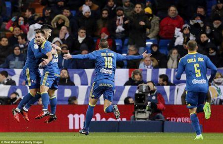 Real Madrid 1-2 Celta Vigo: Hang cong vo duyen, Real thua soc, tran thu 2 lien tiep - Anh 1