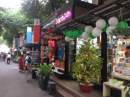 Duong sach TP HCM: Net doc dao cua thanh pho mang ten Bac - Anh 4