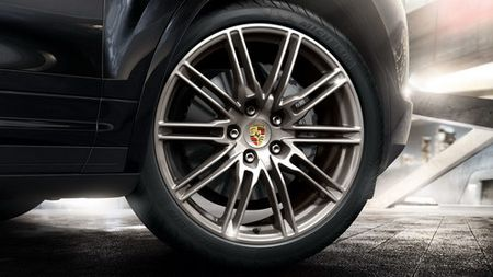 Porsche Cayenne Platinum gia tu 4,6 ty dong tai Viet Nam - Anh 6
