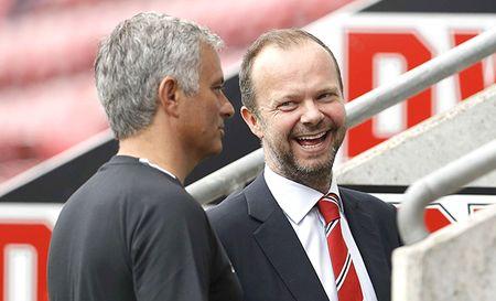 Lanh dao MU len tieng ve ke hoach chuyen nhuong cua Jose Mourinho - Anh 1