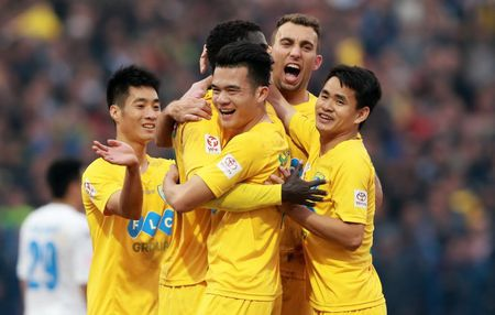 Dau som vong 5 V-League: FLC Thanh Hoa thang hoa, SHB Da Nang quyet tao bat ngo? - Anh 1