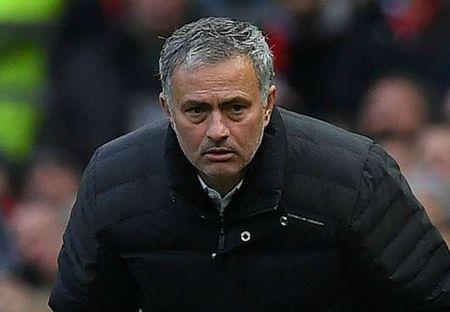 NONG: TTCN mua He, Mourinho khien tat ca 'viet vi' - Anh 1