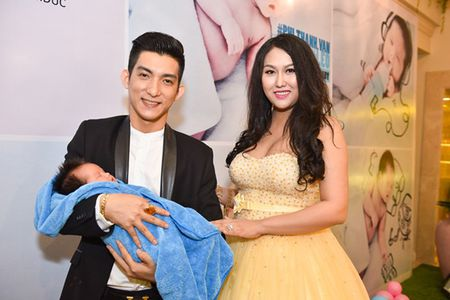 Vo boc hanh phuc cua cap doi Phi Thanh Van - Bao Duy - Anh 9
