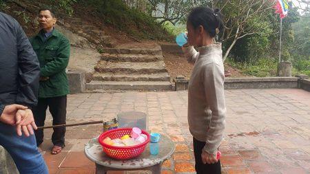 Dan dua nhau ve uong nuoc gieng Ngoc 700 nam o Hai Duong - Anh 14