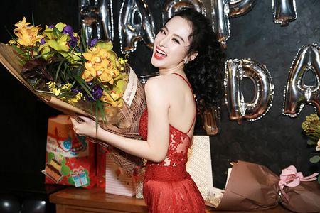 Angela Phuong Trinh sexy het co don tuoi 22 - Anh 1