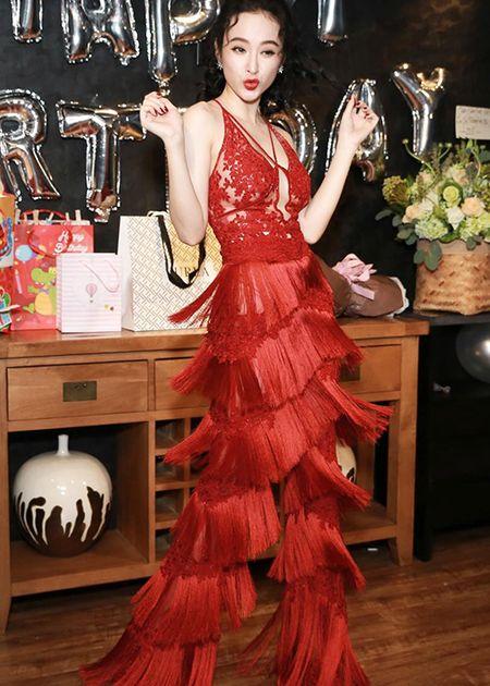 Angela Phuong Trinh sexy het co don tuoi 22 - Anh 7