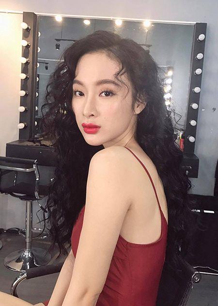 Angela Phuong Trinh sexy het co don tuoi 22 - Anh 9