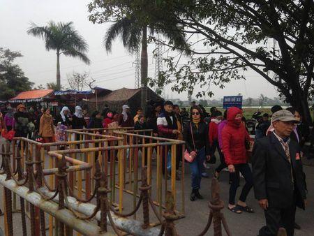 Nam Dinh: Hon 2.000 nguoi dam bao an ninh le Khai an den Tran - Anh 15