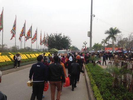 Nam Dinh: Hon 2.000 nguoi dam bao an ninh le Khai an den Tran - Anh 17