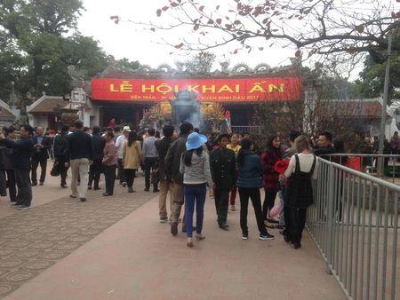 Nam Dinh: Hon 2.000 nguoi dam bao an ninh le Khai an den Tran - Anh 1