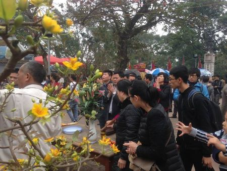 Nam Dinh: Hon 2.000 nguoi dam bao an ninh le Khai an den Tran - Anh 4