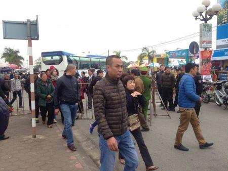 Nam Dinh: Hon 2.000 nguoi dam bao an ninh le Khai an den Tran - Anh 7