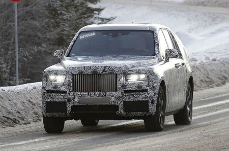 Me man voi hinh anh that cua chiec Rolls-Royce Cullinan SUV 2018 - Anh 1
