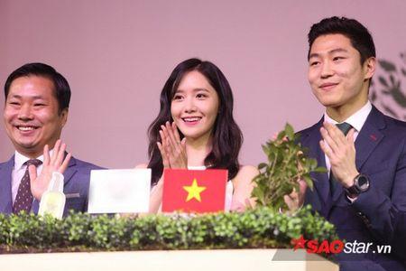 Yoon Ah xuat hien rang ro, hua hen mon qua danh fan Viet - Anh 10