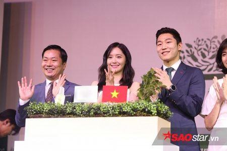 Yoon Ah xuat hien rang ro, hua hen mon qua danh fan Viet - Anh 11