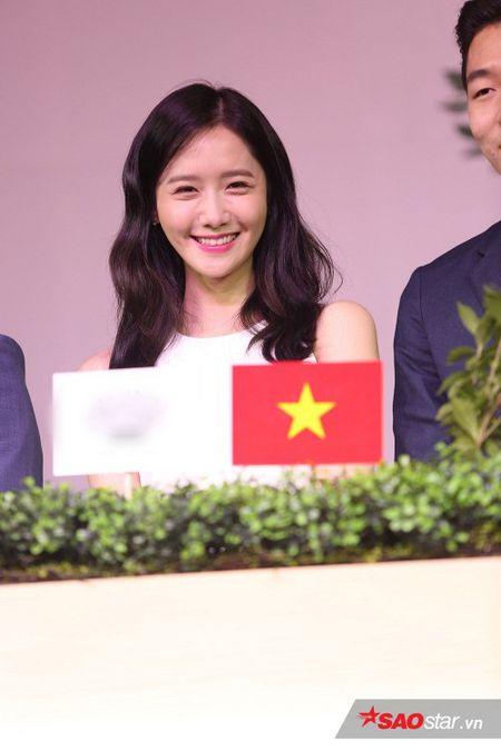 Yoon Ah xuat hien rang ro, hua hen mon qua danh fan Viet - Anh 12