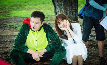 Nha san xuat phim 49 ngay phan 2 chi manh de mua bai hit cua Hari Won - Anh 10