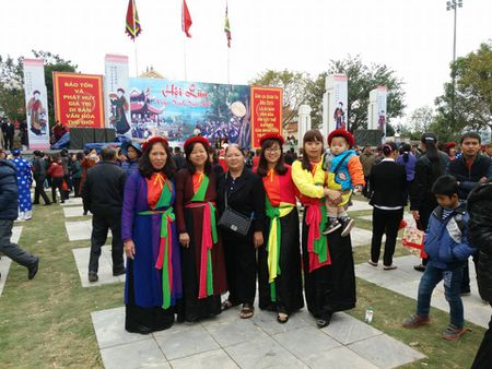 Ghe ve Bac Ninh tham gia le hoi Lim dac sac - Anh 3