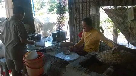 Banh uot Dien Khanh, mon ngon khong the bo qua khi den Nha Trang - Anh 2