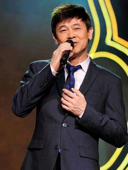Thai Chau xuc dong ke lai lan dau hat bai 'Co Tham ve lang' sau 44 nam - Anh 4