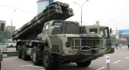 Tornado-S cua Nga se trang bi ten lua chinh xac cao dinh vi bang ve tinh - Anh 1